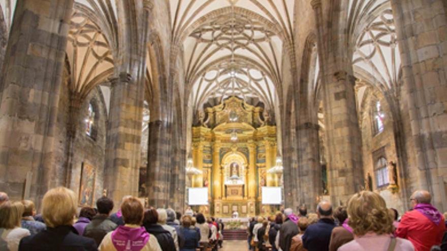 Interior de la Basílica de Begoña, donde se instalará un cepillo electrónico
