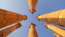 En Jerash, 11 de las 12 columnas del Templo de Artemisa siguen en pie.