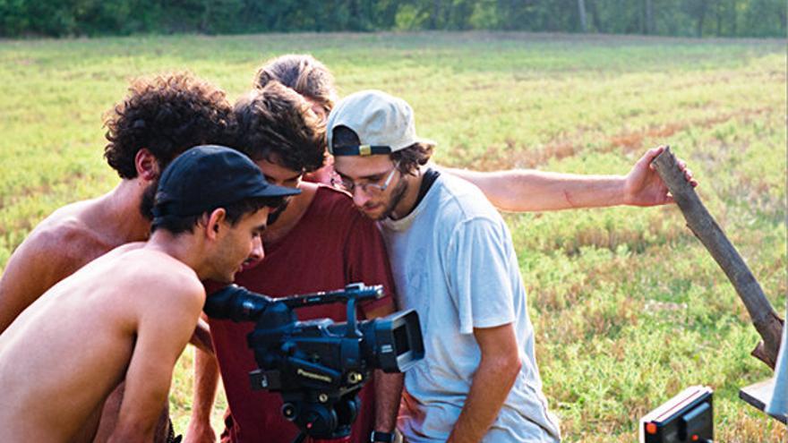El realizador Daniel Millán (con gorra negra) junto a su equipo de grabación. | Dani Millán