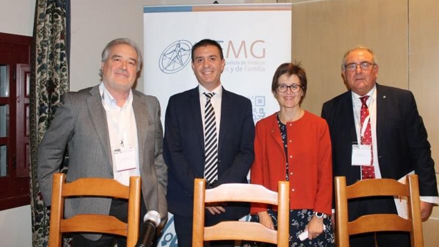Santiago Cabañero con miembros de SEGM-Castilla-La Mancha
