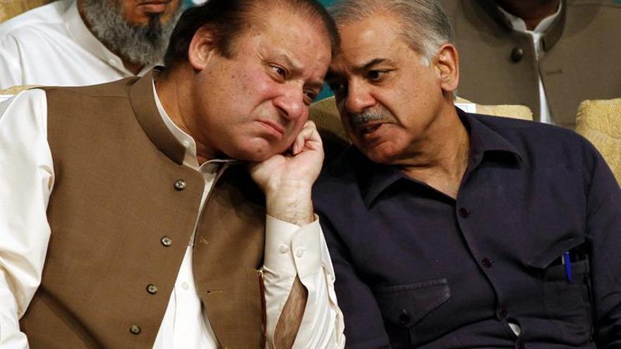 Agitación tras la dimisión de Sharif en Pakistán pero sin caer en el caos