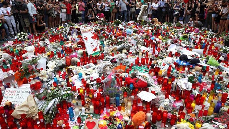 Homenatge a les víctimes de l'atemptat a la Rambla de Barcelona