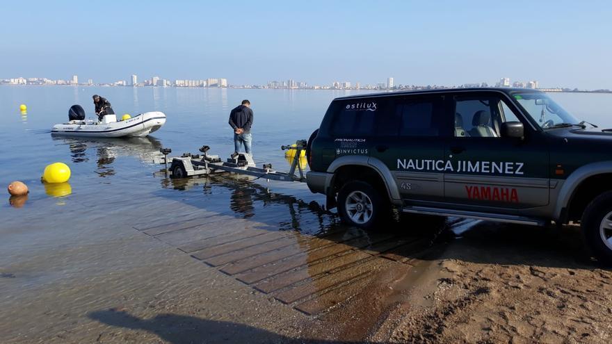 Rampa para el botado de embarcaciones en Playa Honda, inservible dos semanas después de instalarse