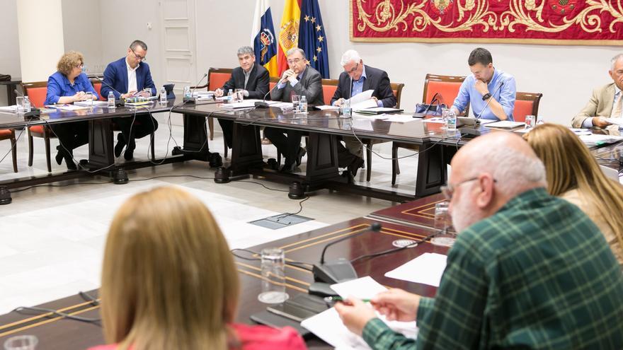 """NC cree que la Audiencia de Cuentas """"ratifica el clientelismo"""" de Clavijo"""