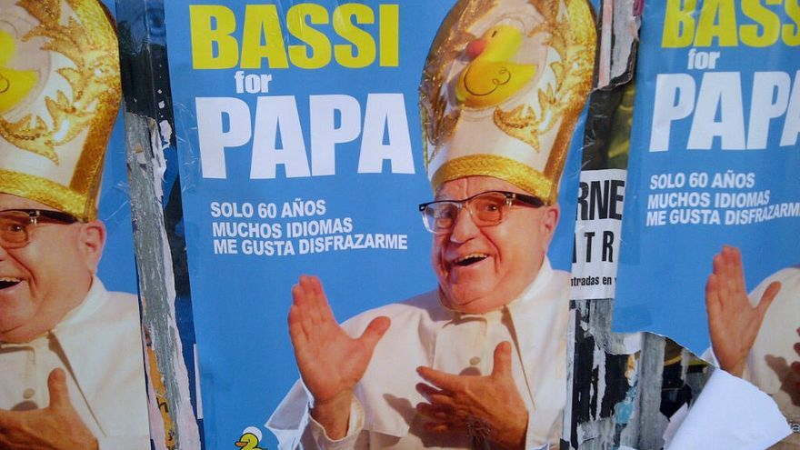 Leo Bassi se ofrece como Papa