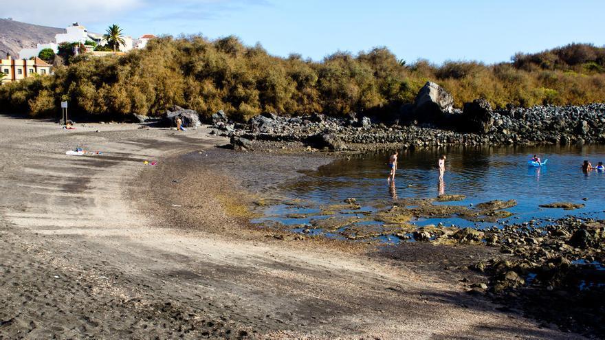 Charco del Conde, un lugar ideal para ir con niños en el litoral de Valle Gran Rey. VIAJAR AHORA