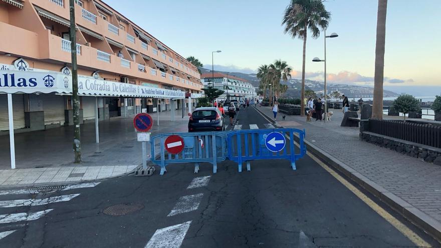 Cierre de la avenida Marítima en Candelaria.
