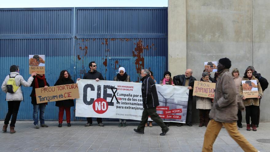 Una de las protestas de la plataforma CIEsNO en Zapadores
