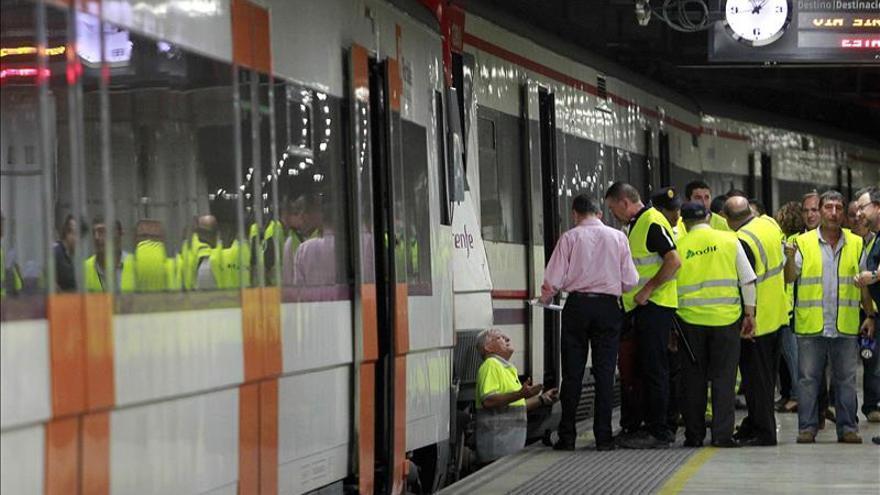 Un robo de cable afecta a 40 trenes y a 20.000 viajeros al repercutir en 4 líneas
