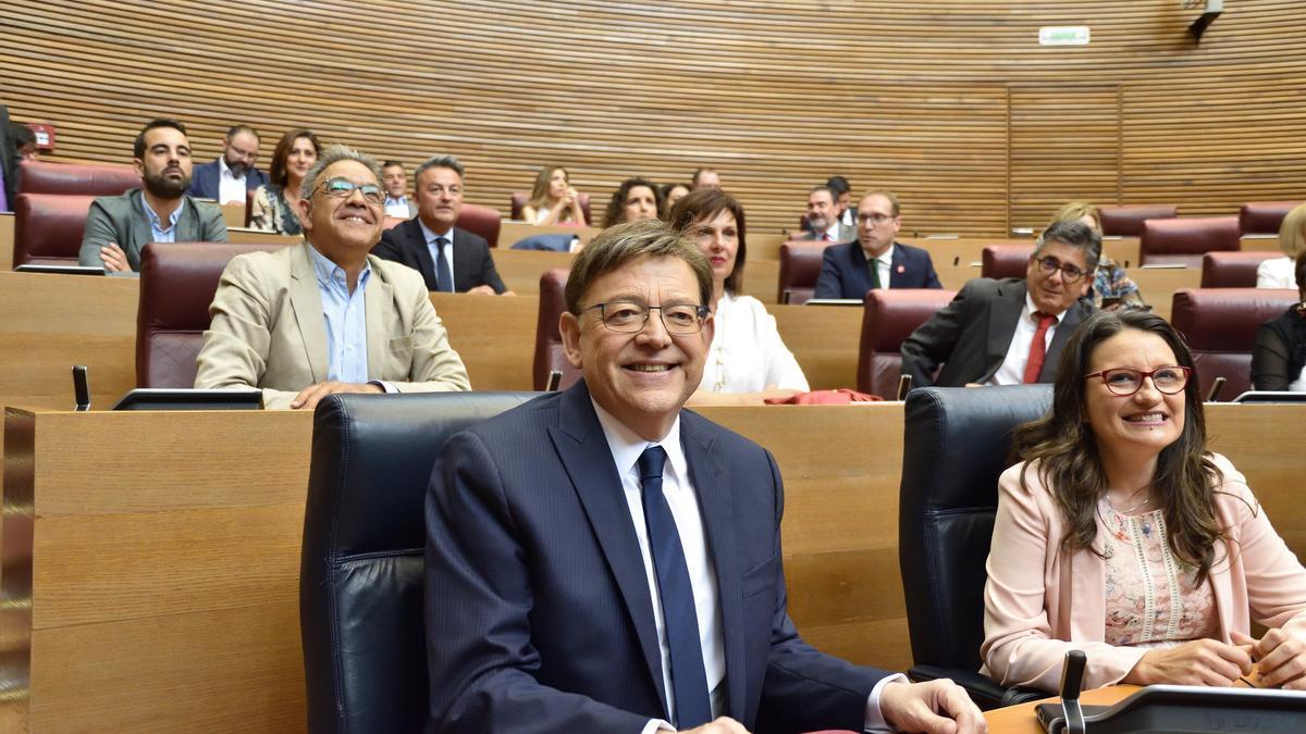 Ximo Puig y Mónica Oltra durante un pleno de las Corts Valencianes