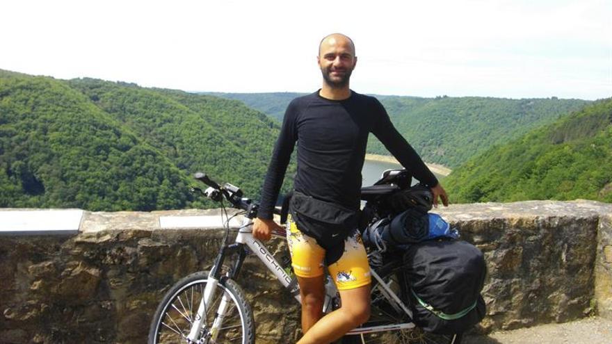 Una ruta en bici de 6 meses y 14.000 km entre Pekín y Valencia por la ELA