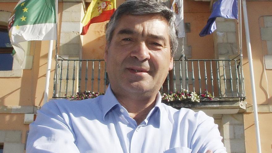 Enrique Torre renuncia a su acta de concejal por motivos de salud