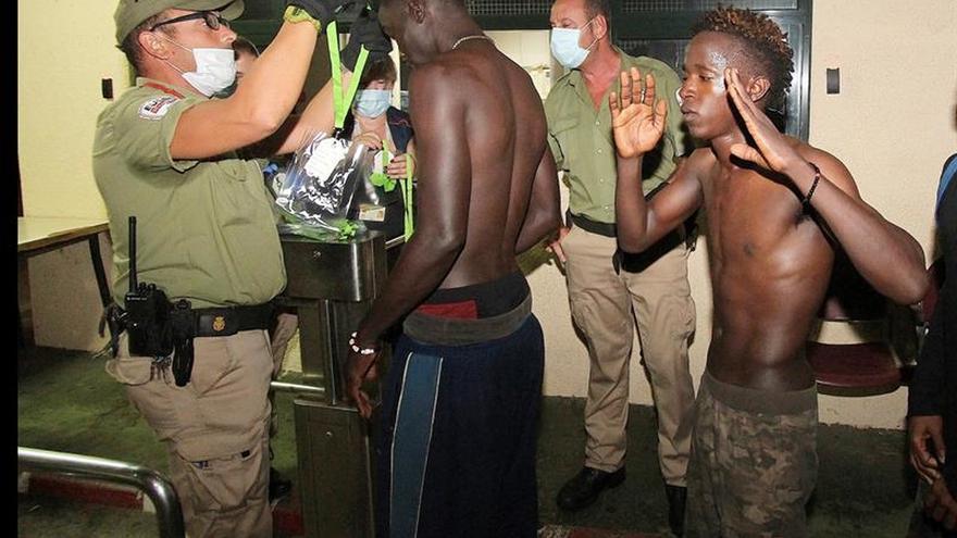 La táctica de los inmigrantes dificulta las labores de contención en frontera