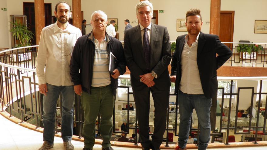 Fuentes-Pila ha mantenido un encuentro representantes de la Federación de Servicios para la Movilidad y el Consumo de UGT.