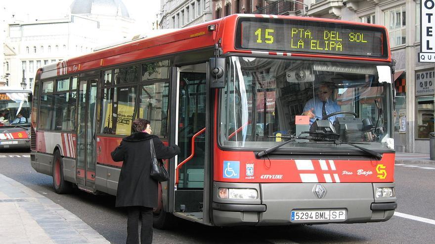 Autobús de la Empresa Municipal de Transportes (EMT) de Madrid. | Mdiagom.