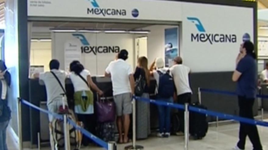 Pasajeros en tierra por cierre aerolínea Mexicana