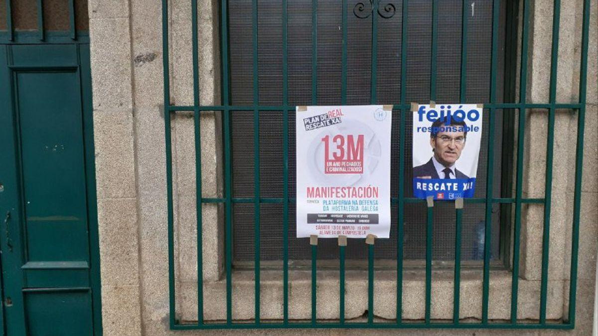 Carteles de la última manifestación en defensa del sector de la hostelería en Santiago de Compostela
