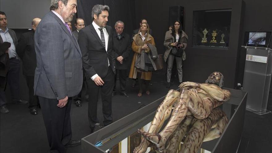 La historia de la Sábana Santa, en una muestra en Zaragoza