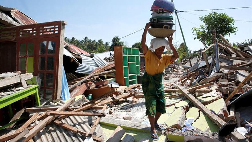 Indonesia eleva a 387 la cifra de muertos por el seísmo en la isla de Lombok