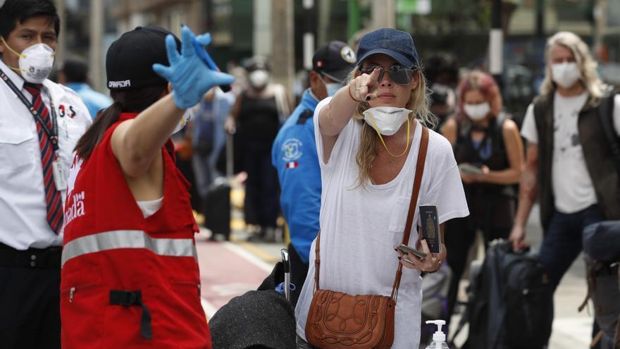 Canadá endurece las restricciones para viajeros procedentes del extranjero