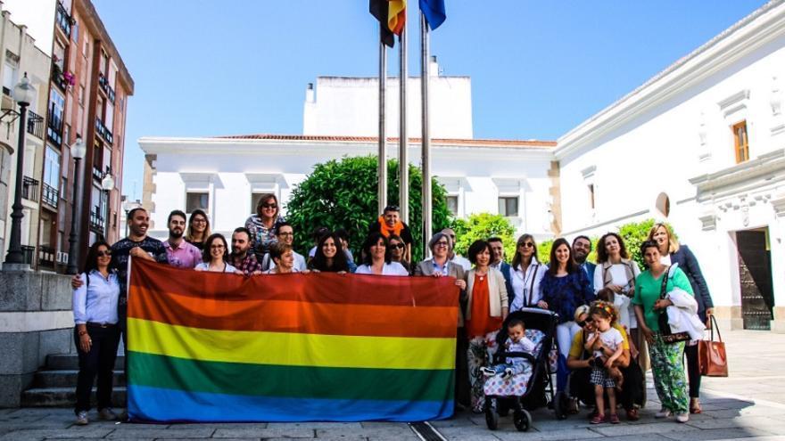 Día Internacional contra la Homofobia, Lesbofobia, Bifobia y Transfobia / @juntaex_cultura