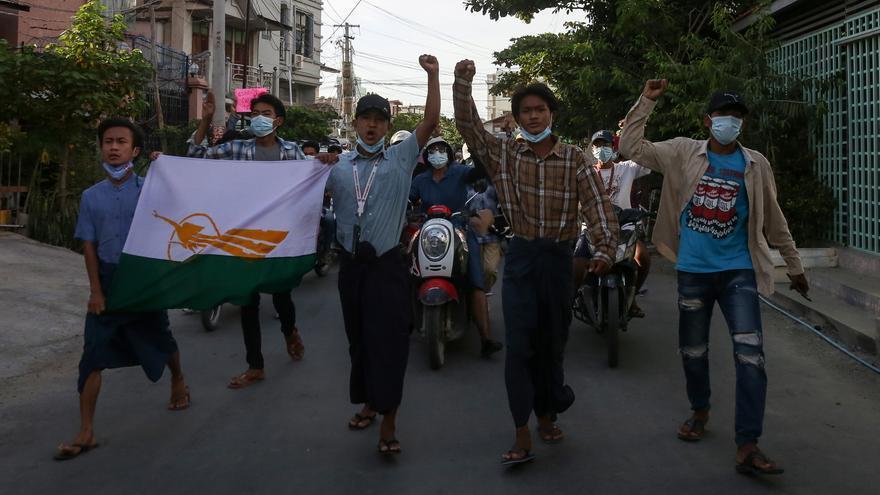 Anuncia la liberación de 700 presos políticos detenidos en Birmania