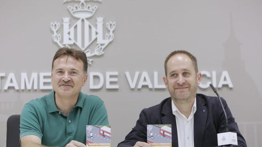 Los concejales valencianos de Movilidad y Seguridad, Giuseppe Grezzi y Aarón Cano, en rueda de prensa