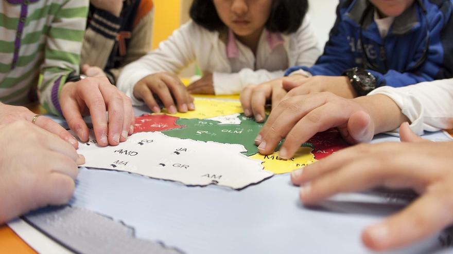 Más de 1.700 estudiantes ciegos andaluces empiezan el nuevo curso en educación integrada