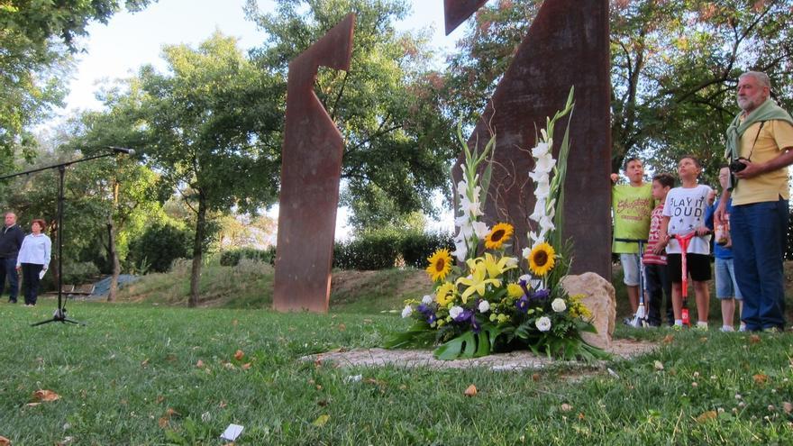 Vecinos de Berriozar, familiares y políticos recuerdan a Francisco Casanova, asesinado por ETA hace 15 años