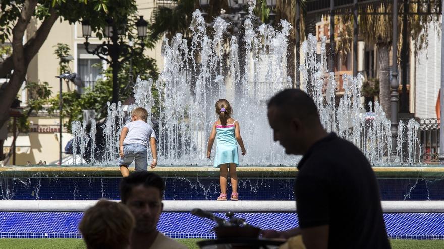 """España vive """"la mayor ola de calor"""" de su historia en septiembre, con una máxima de 45,4ºC en Córdoba el martes"""