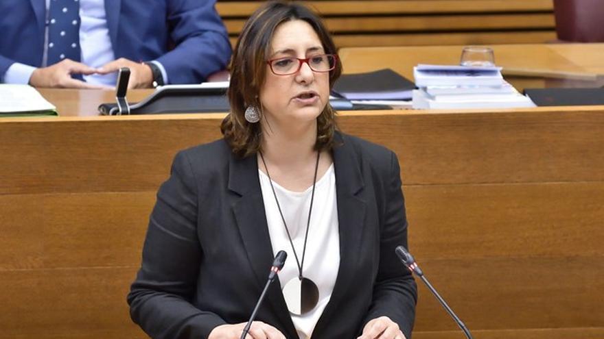 La consellera Rosa Pérez Garijo interviene en las Corts