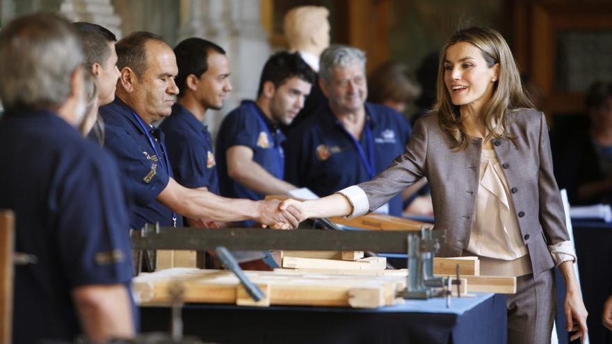 La princesa apoya escuelas y talleres de Patrimonio que ayudan a crear empleo