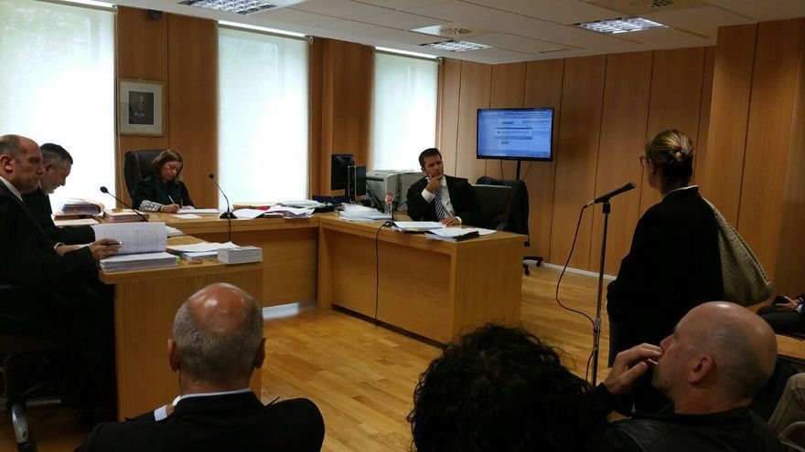 La gerente del PP de Cantabria, Jesusa Sánchez, durante su declaración en el juicio. | LARO GARCÍA