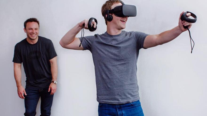 Mark Zuckerberg probando las Oculus Rift