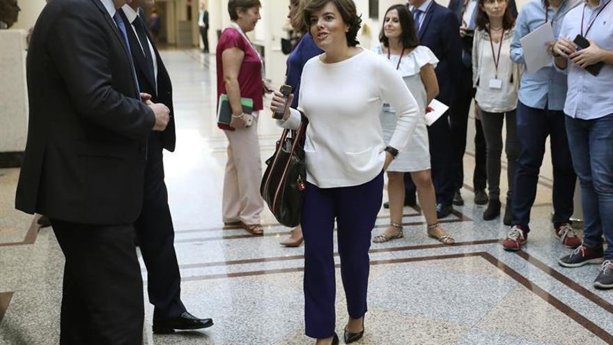 """Soraya Sáenz de Santamaría acusa a la Generalitat catalana de """"sembrar división"""""""