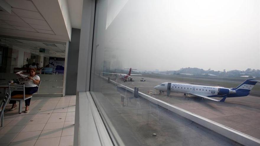 Cierran temporalmente el aeropuerto Toncontín de Honduras por poca visibilidad