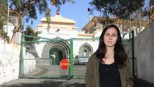 La diputada Ione Belarra en la puerta del CIE de Barranco Seco, donde le impidieron entrar