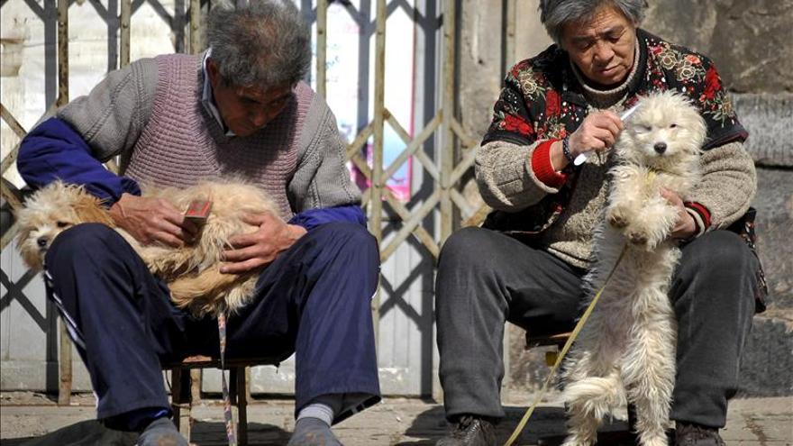 Mueren 38 personas al incendiarse una residencia de ancianos en China