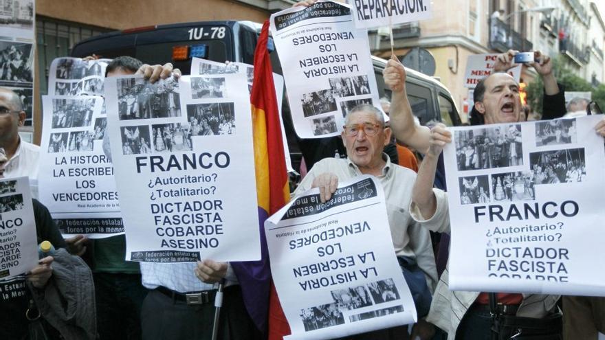 Protesta contra el Diccionario Biográfico, 2 de junio de 2011