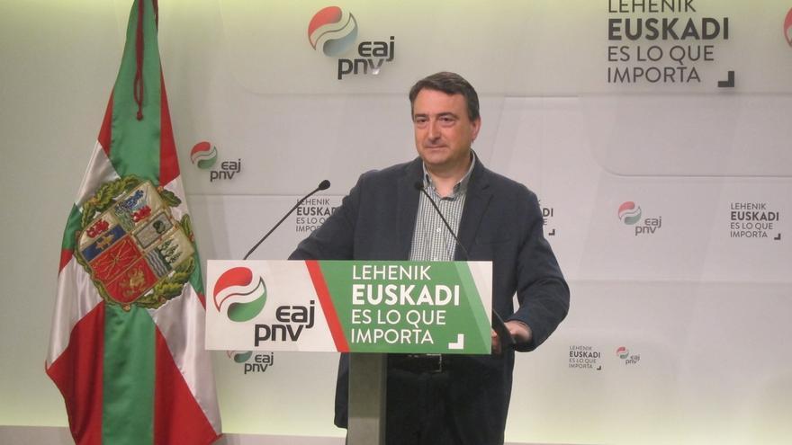 """Aitor Esteban destaca que hablarán """"con todo el mundo"""" ya que podría haber una """"mayoría condicionada"""" por el PNV"""
