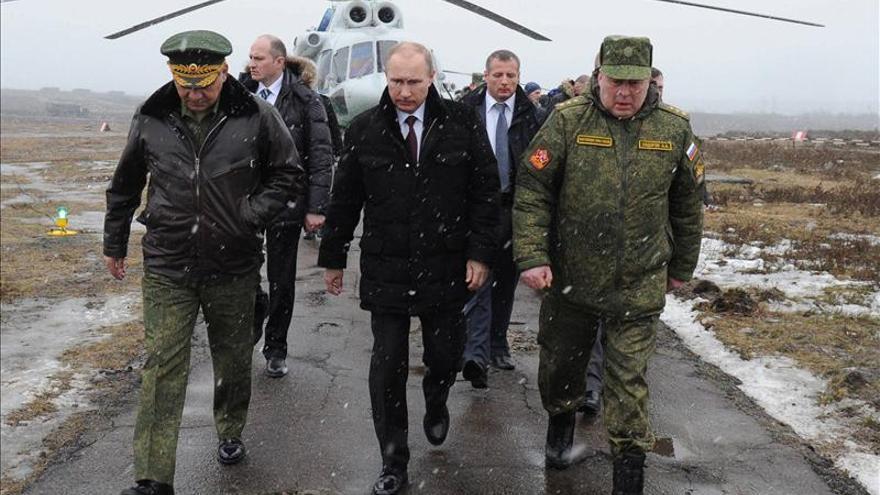 Putin viajó el lunes a San Petersburgo para presenciar unas maniobras militares. Foto: Mijaíl Klimentyev / RIA Novosti