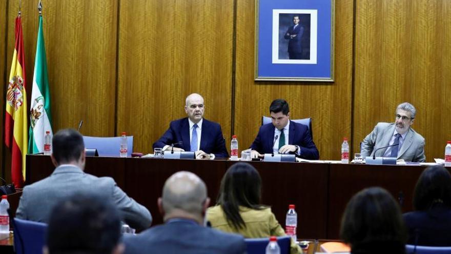 """Chaves abandona la comisión y denuncia la """"manipulación"""" electoral"""