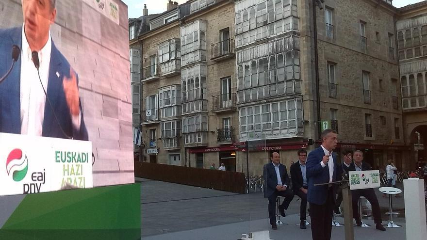 """Urkullu reivindica la capacidad de acuerdo del PNV frente al """"enfrentamiento esteril"""" de quienes """"nada aportan"""""""