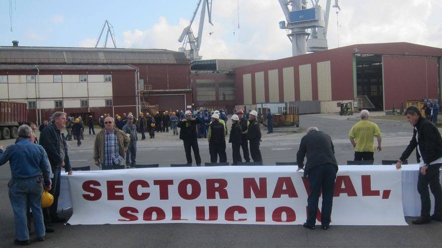 Los trabajadores de La Naval realizarán este martes una marcha y concentración ante el astillero de Murueta