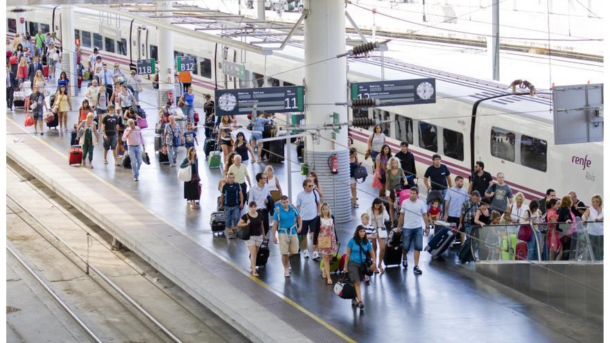 Renfe eleva un 12,3% los viajeros del AVE en Semana Santa y la ocupación de los trenes llega al 80%