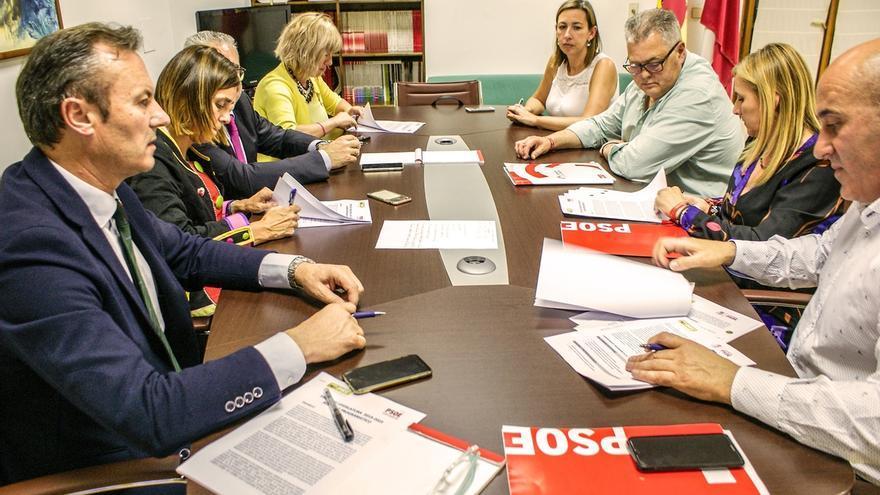 Prc y psoe cierran acuerdo de gobierno de cantabria con for Acuerdo de gobierno psoe ciudadanos