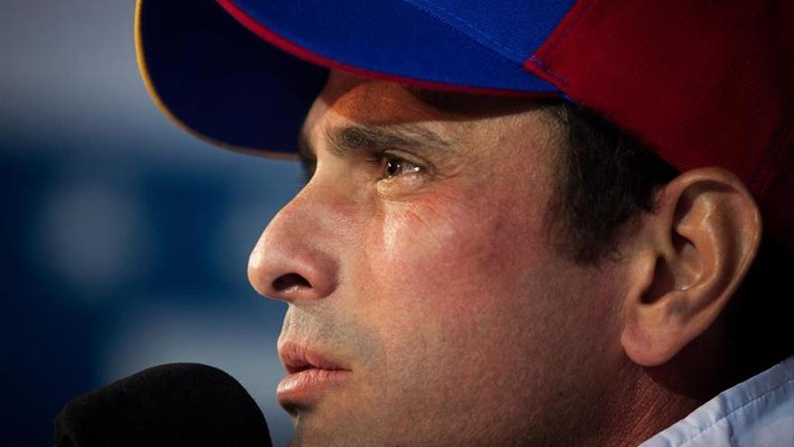 Capriles recorre Venezuela en promoción del referendo para revocar a Maduro