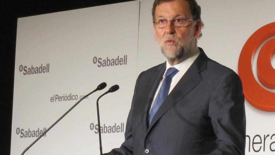 Rajoy apela a la Cataluña moderada que defiende la ley y la propiedad privada
