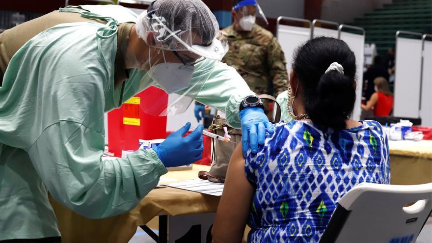 Puerto Rico estudia hacer obligatoria la vacunación contra la covid-19