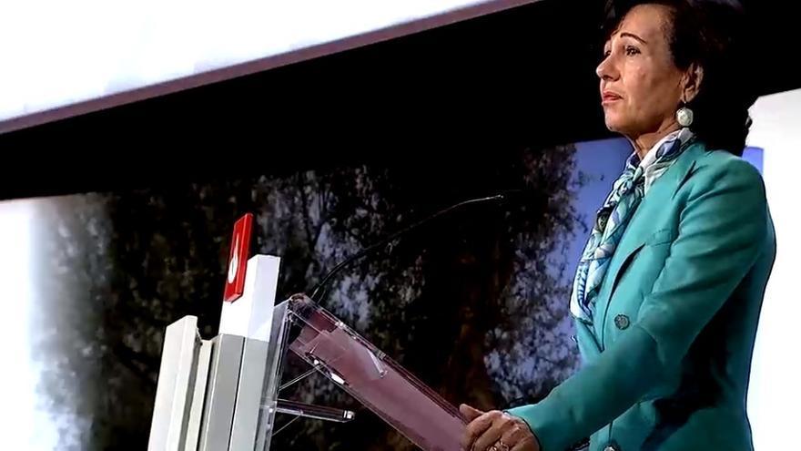 La presidenta de Banco Santander, Ana Patricia Botín, en la junta de accionistas celebrada en octubre de 2020.